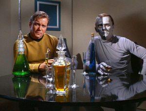 kirk_alien_drinking